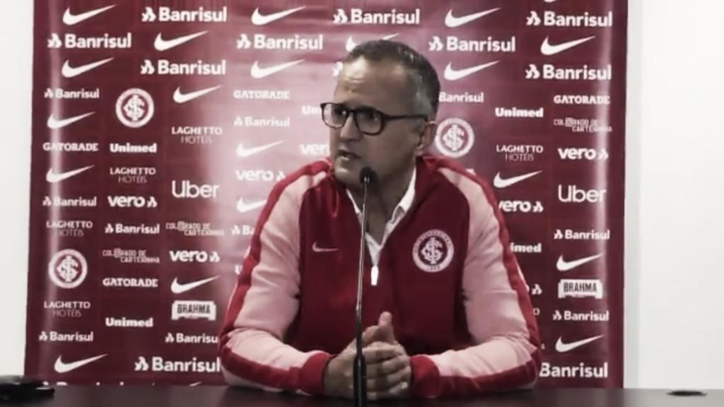 Dirigente do Internacional, Roberto Melo provoca Grêmio em campanha na Libertadores
