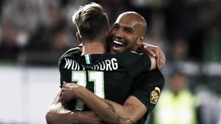 Brooks salva e Wolfsburg garante empate com Eintracht no último minuto