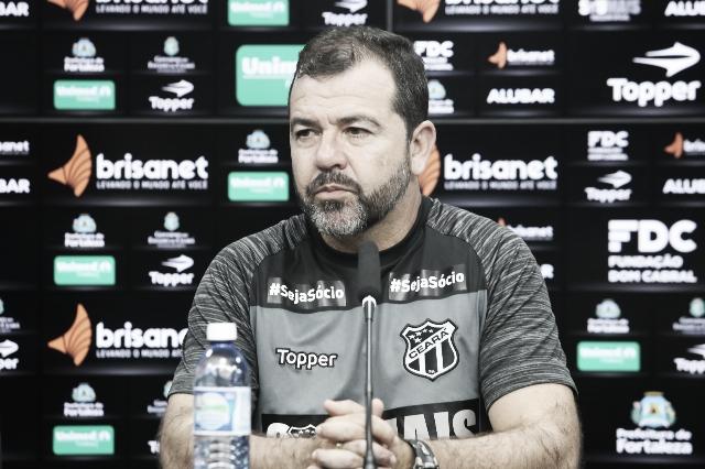 """Enderson Moreira se preocupa com desgaste do Ceará: """"Vou fazer alterações"""""""