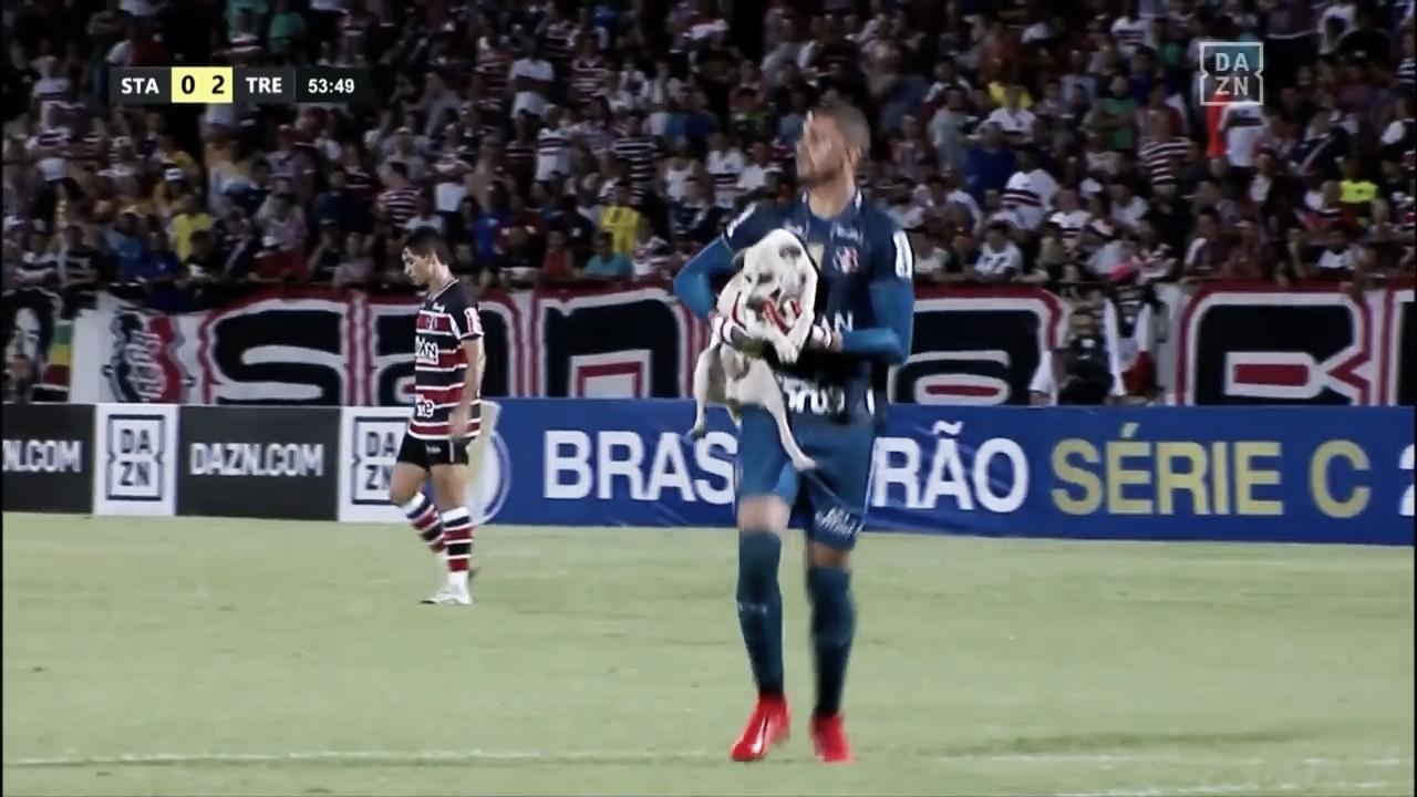 Santa Cruz e Treze empatam na Série C em jogo marcado por invasão animal e gol no último lance