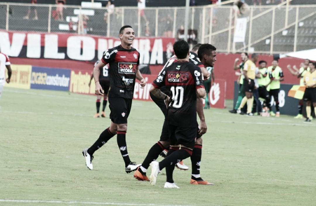 Com dois gols de Ruan Levine, Vitória bate o Vila Nova e conquista o primeiro triunfo na Série B