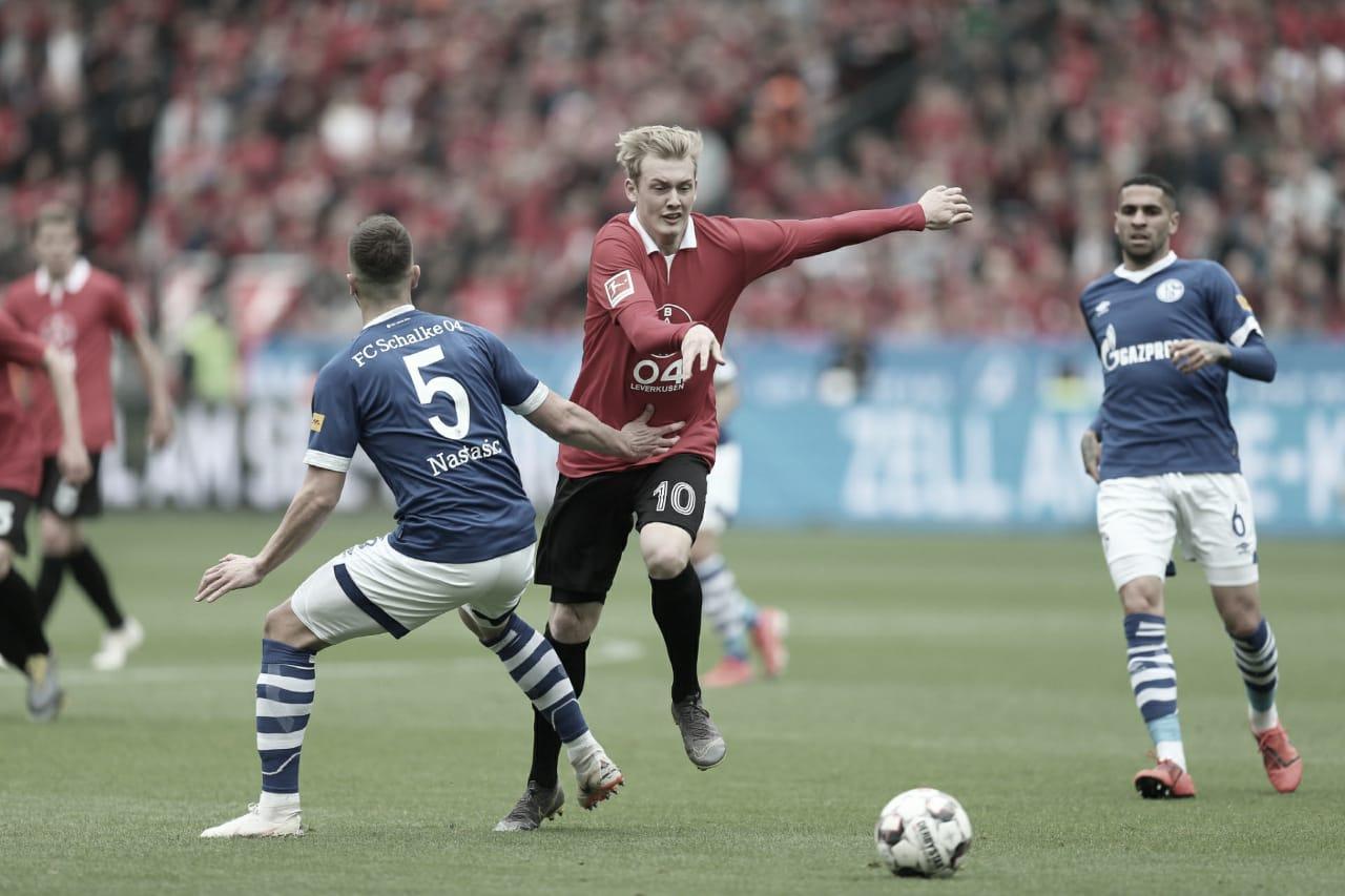 Bayer Leverkusen empata com Schalke 04 e se mantém vivo na briga pela Champions