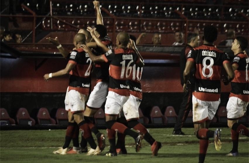 Atlético-GO bate Criciúma e se aproxima do G-4 da Série B