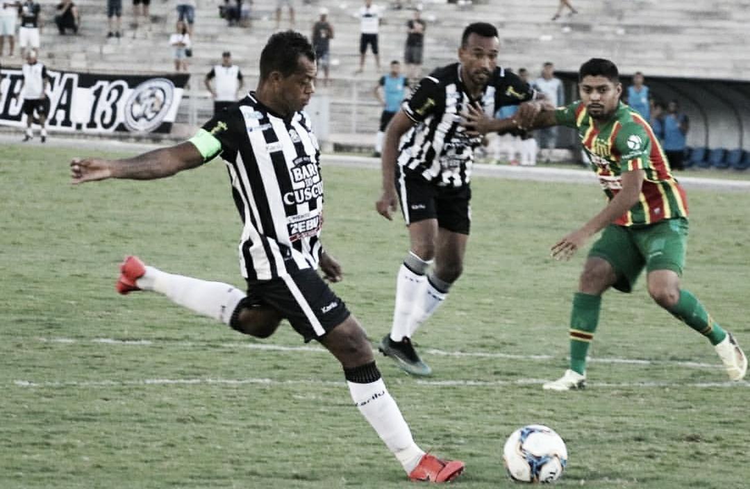 """Marcelinho Paraíba reconhece dificuldade, mas destaca bom desempenho: """"Estou muito feliz"""""""