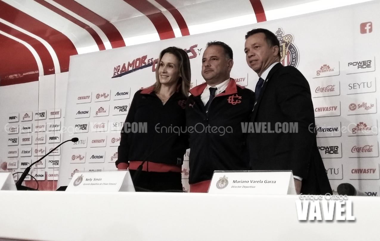 Ramón Villa Zevallos, presentado como DT de Chivas Femenil