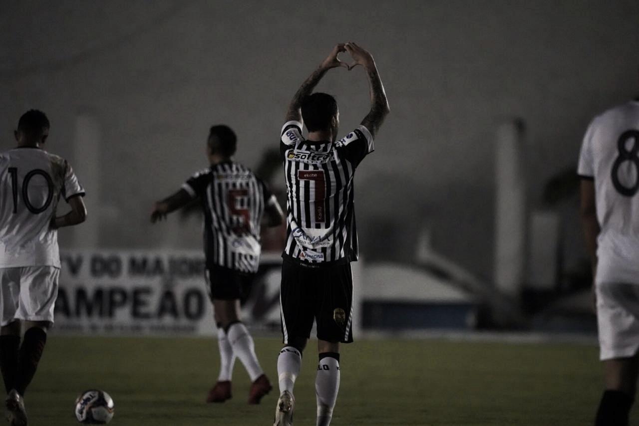 Clayton marca duas vezes, Botafogo-PB bate Globo-RN e segue no G-4 da Série C