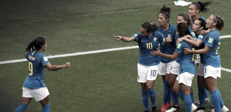 Brasil joga mal e perde de virada para Austrália na Copa do Mundo Feminina