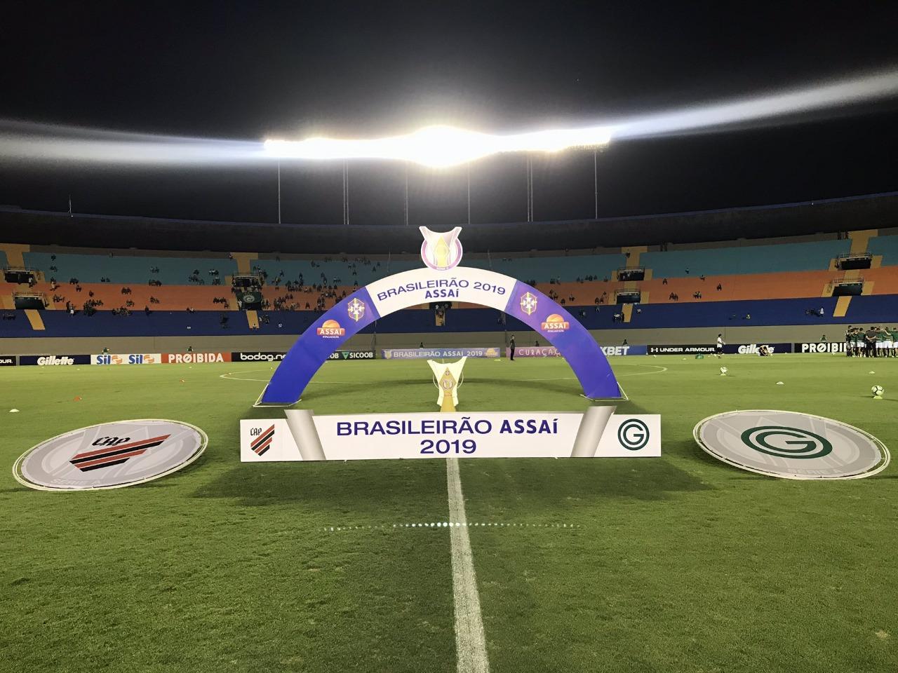 Gols e melhores momentos de Goiás 2 x 1 Athletico-PR pelo Campeonato Brasileiro