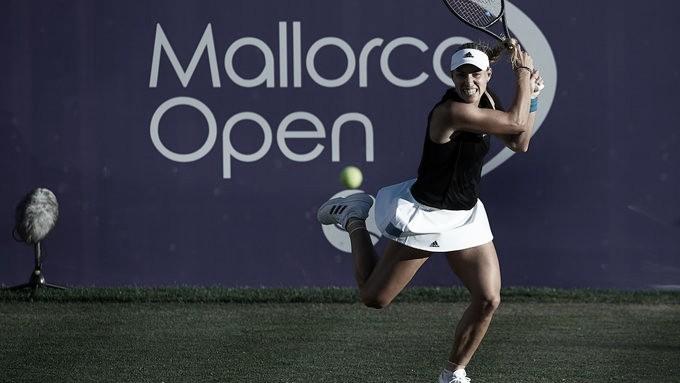 Kerber perde set, mas passa por Bonaventure e marca encontro com Sharapova em Mallorca