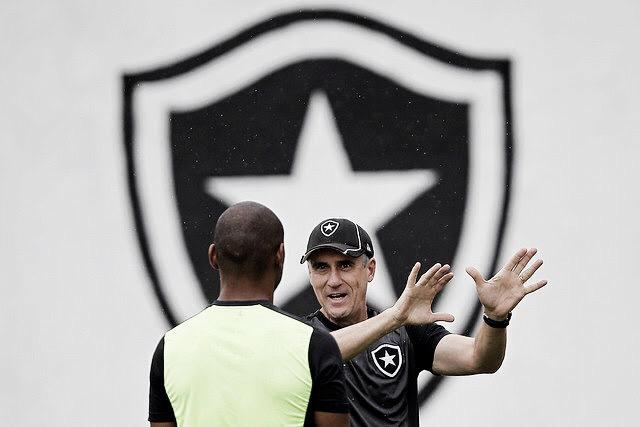Recém-aposentado, Jefferson pode voltar ao Botafogo com cargo interno