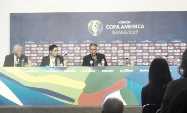 Carlos Queiroz elogia luta dos jogadores da Colômbia e aponta time misto contra Paraguai