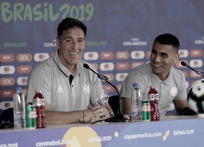 """Eduardo Berizzo: """"Intentaremos desplegar un fútbol vertical con continuidad para lastimarlos"""""""