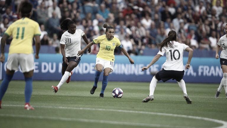 Brasil sofre gol na prorrogação e acaba sendo eliminado pela França na Copa do Mundo