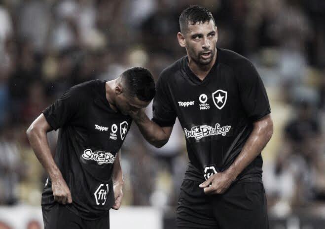 Com Diego Souza como destaque, Botafogo aposta em centroavantes para segundo semestre
