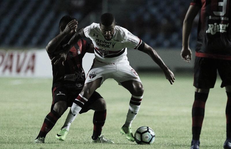 Fora dos planos do São Paulo, lateral Júnior Tavares está de saída