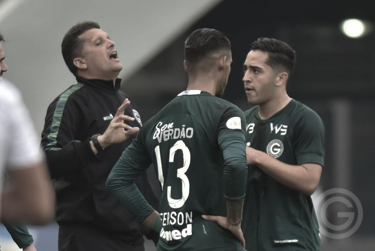 Depois do segundo 6 a 1 no Brasileirão, Goiás anuncia demissão de Claudinei Oliveira