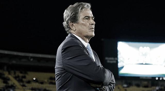 """Jorge Luis Pinto: """"No hicimos las cosas bien, cometimos errores y estamos fuera"""""""