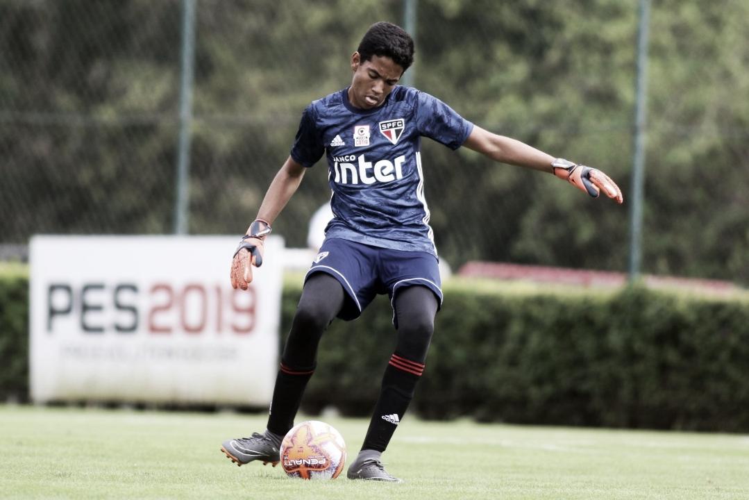 Goleiro do São Paulo celebra volta com vitória no Campeonato Paulista Sub-13