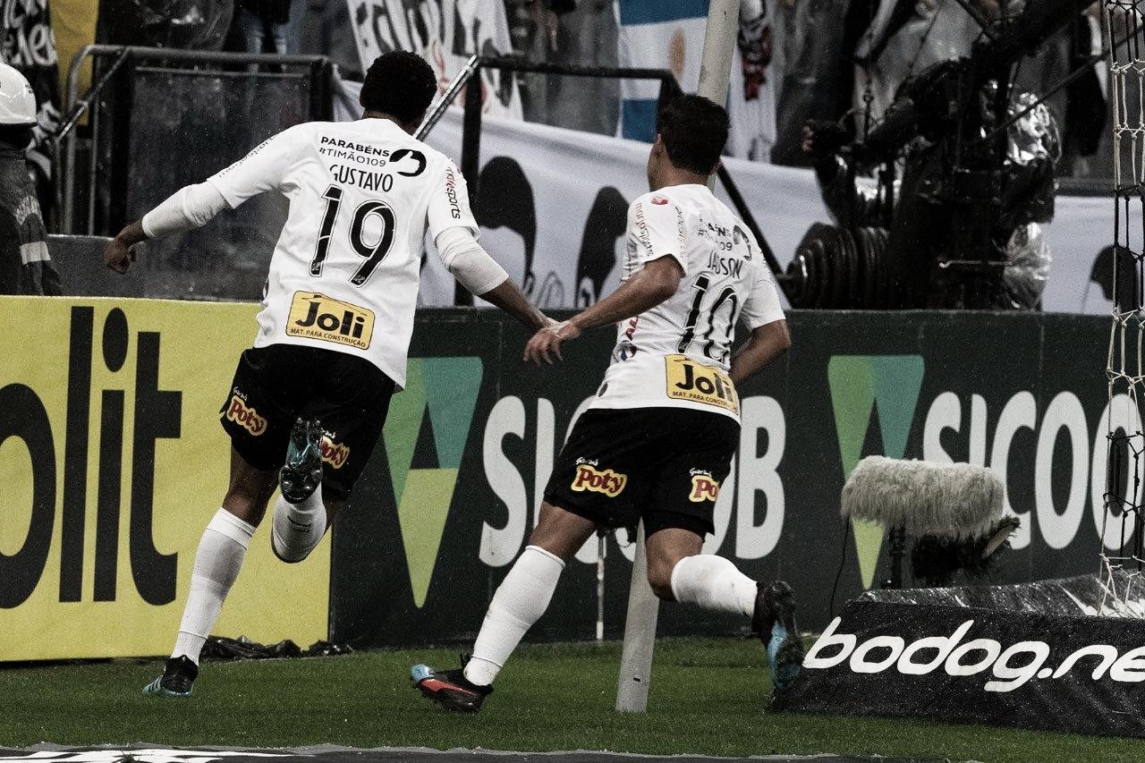 Em seu aniversário, Corinthians faz a festa, vence Atlético-MG e entra no G-4