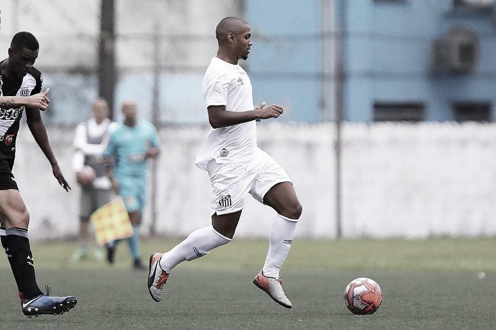 Denilson Silva pede foco ao Santos por sequência positiva no Paulista Sub-20