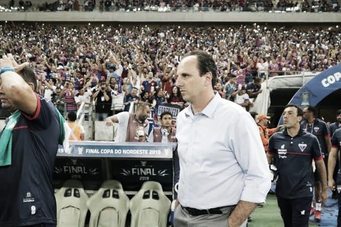 """Após a reestreia, Rogério Ceni exalta elenco do Fortaleza: """"Tiveram competitividade"""""""