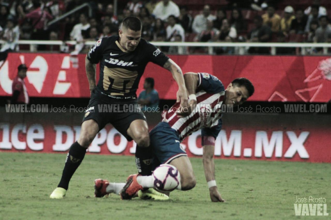 Pumas le quita el triunfo a Chivas de último minuto