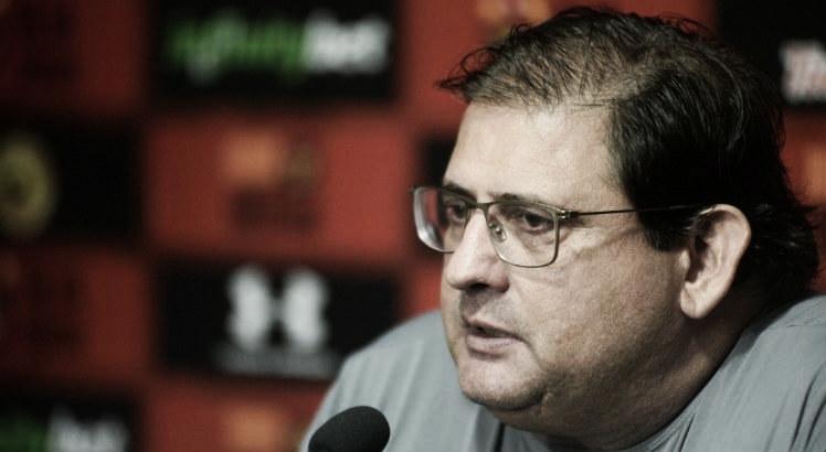 Guto Ferreira lamenta empate, mas ressalta importância do ponto conquistado fora de casa