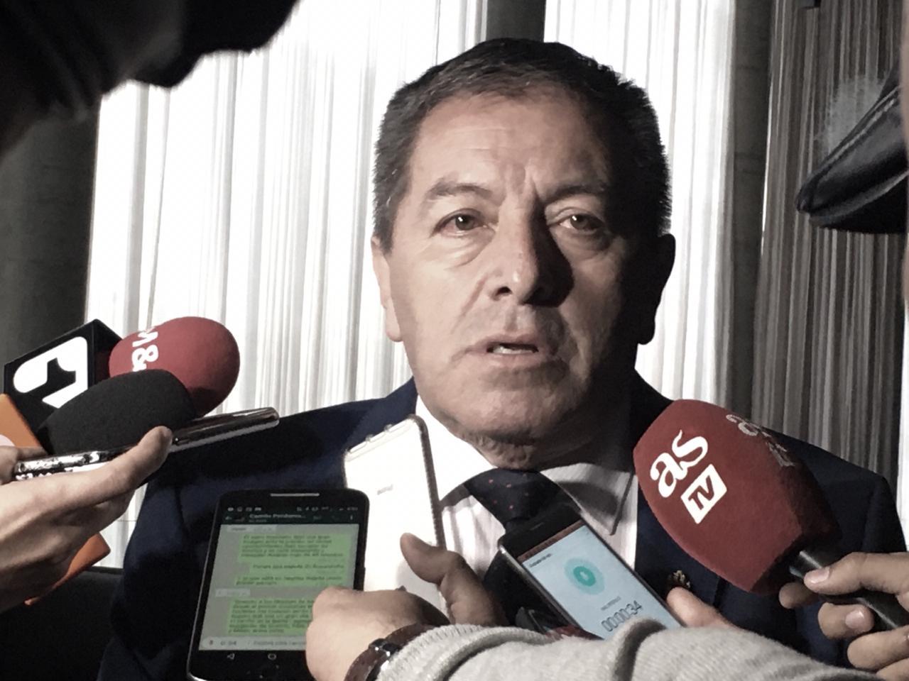 Eduardo Méndez se pronunció sobre el cese de actividades y pidió cordura a Acolfutpro