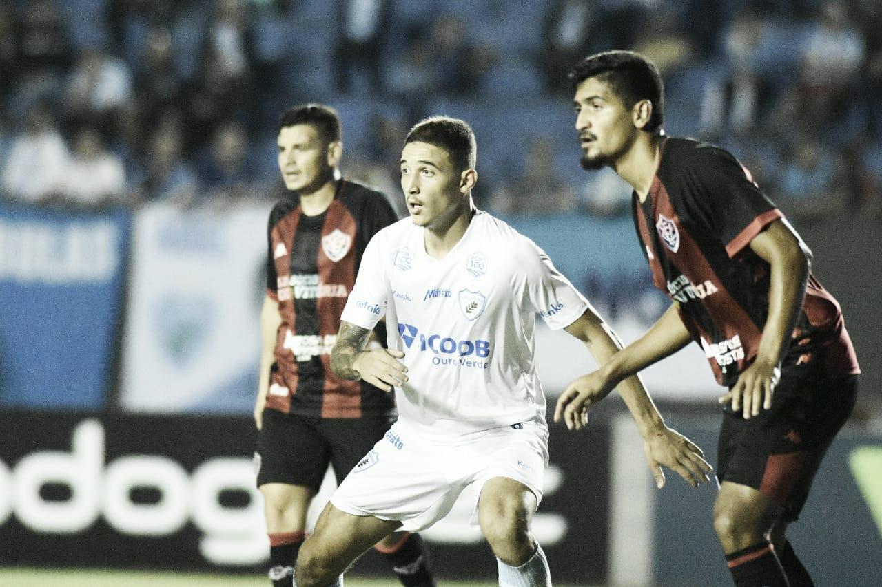 Vitória e Londrina realizam confronto direto contra rebaixamento na Série B