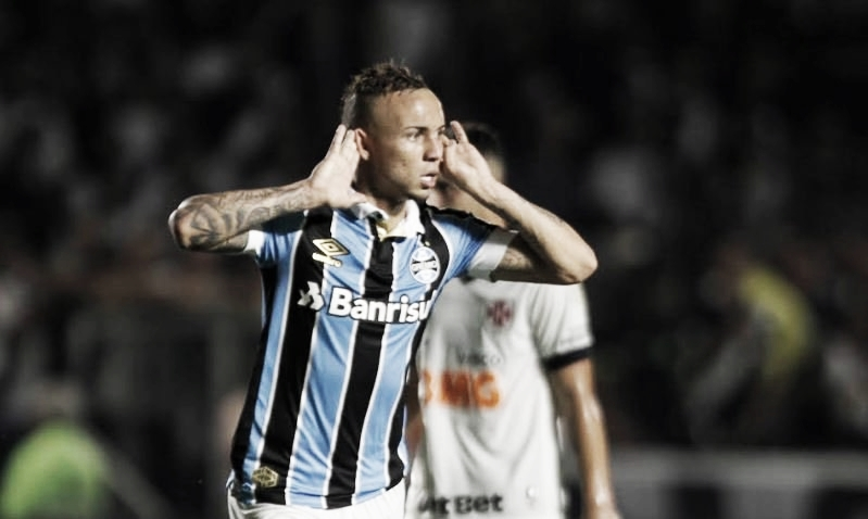 De virada, Grêmio derrota Vasco em São Januário e entra no G-6