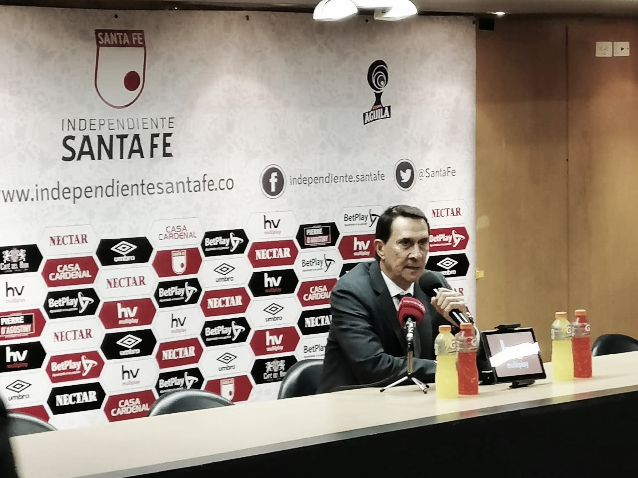 """Alexandre Guimarães: """"Perdimos el ritmo luego del segundo gol"""""""