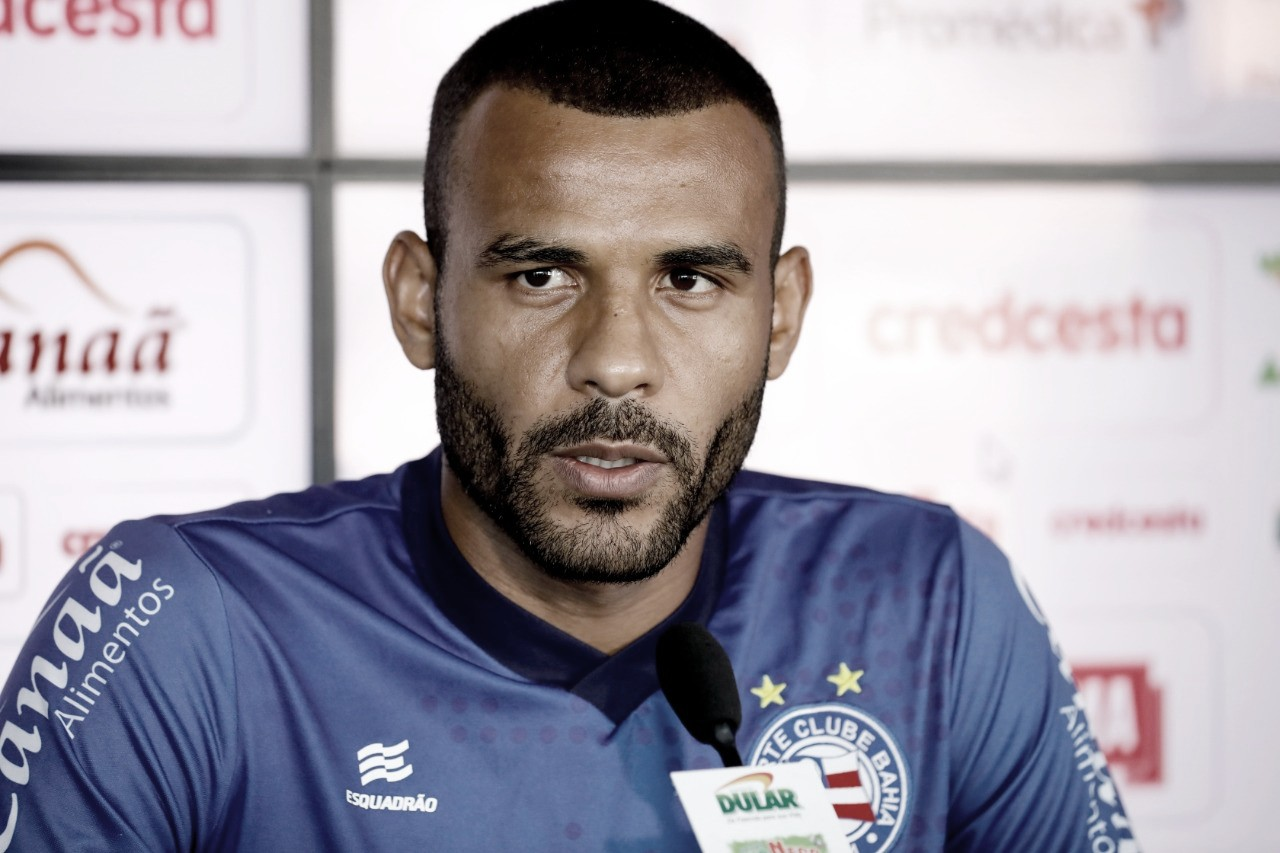 Recuperado de lesão, Ernando está de volta e se coloca 'à disposição' de Roger Machado