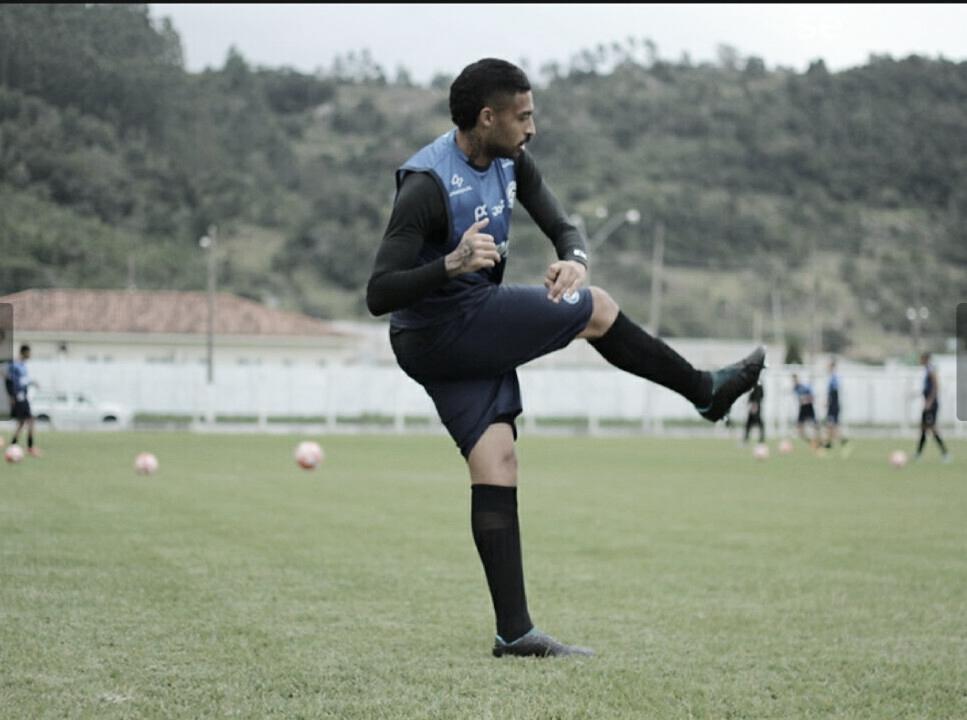 """Zagueiro do Tubarão avalia campanha na Copa SC: """"Tivemos regularidade"""""""