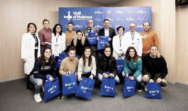 El Barça Femenino visita a los más pequeños en los hospitales de Barcelona
