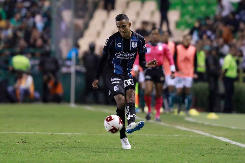 Debuta Salvador Manríquez con Querétaro en Liga MX