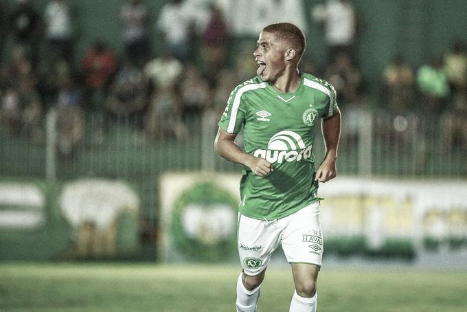 Chapecoense vence a primeira no ano, elimina Boavista e segue na Copa do Brasil