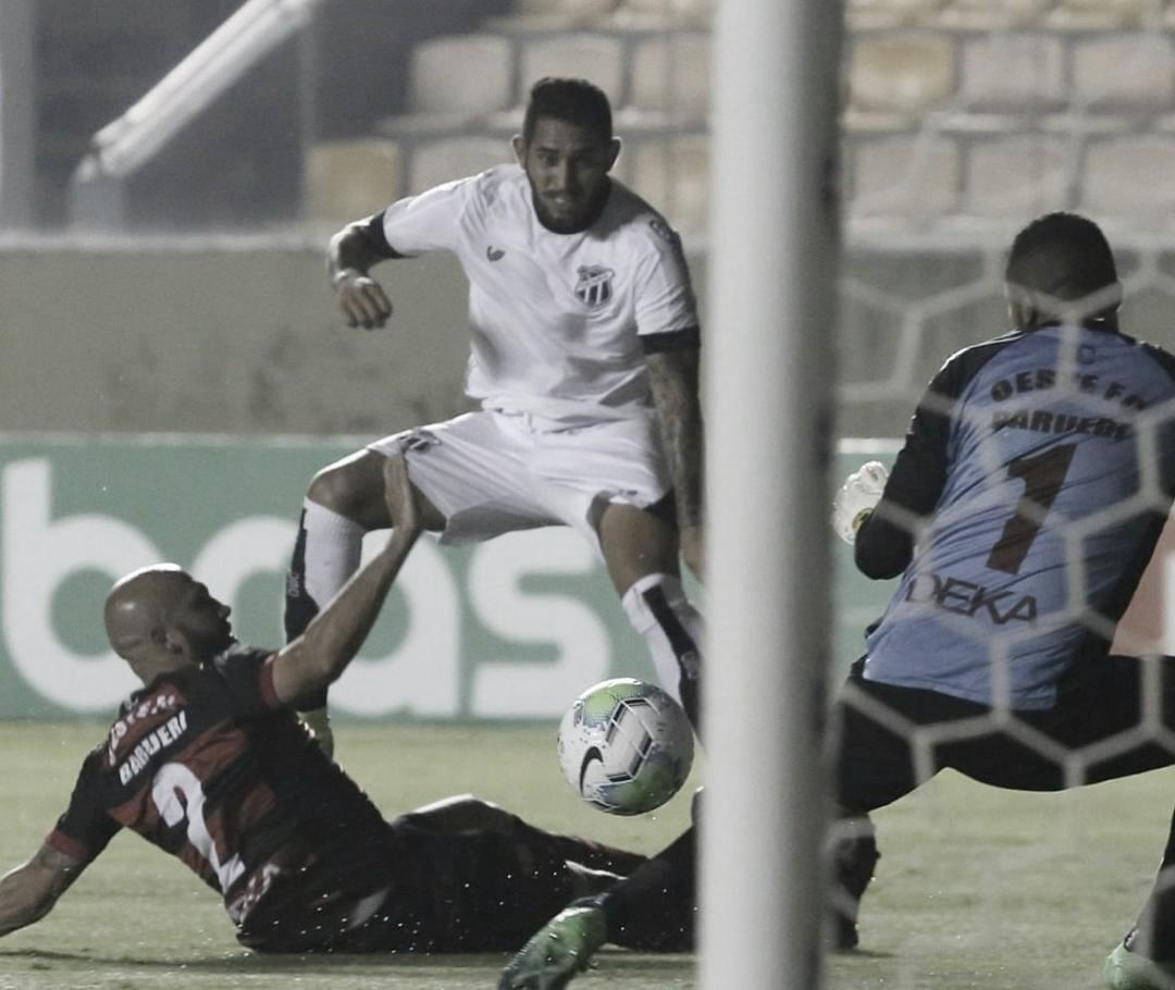 Com emoção, Ceará conquista vaga na terceira fase após bater Oeste nas penalidades