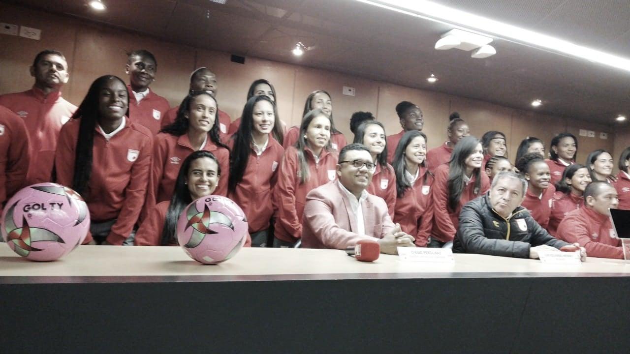 Presentado el equipo femenino de Santa Fe: 'Las leonas'