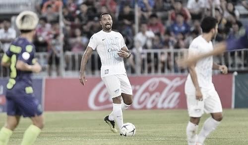 Zagueiro do Chonburi, Júnior Lopes fala sobre retorno do futebol tailandês