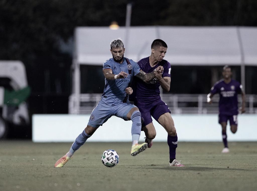 Em jogo disputado, Orlando City vence New York City e mantém máximo aproveitamento no retorno da MLS