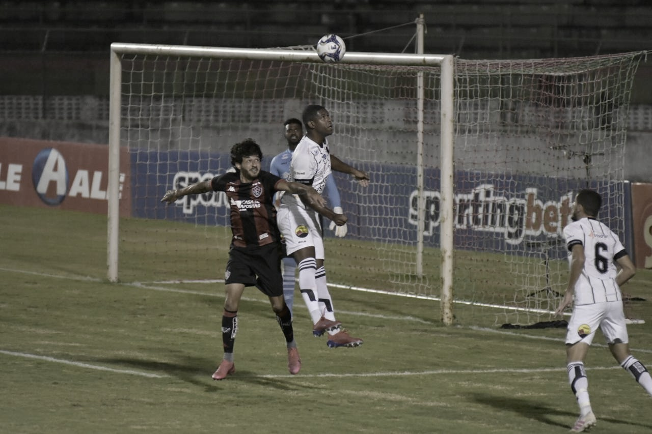 Vitória e Botafogo-PB empatam, mas avançam na Copa do Nordeste