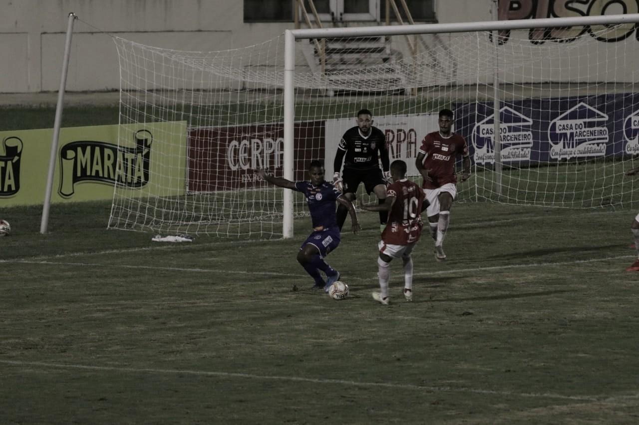Na volta do Campeonato Sergipano, Confiança e Sergipe empatam em intenso segundo tempo