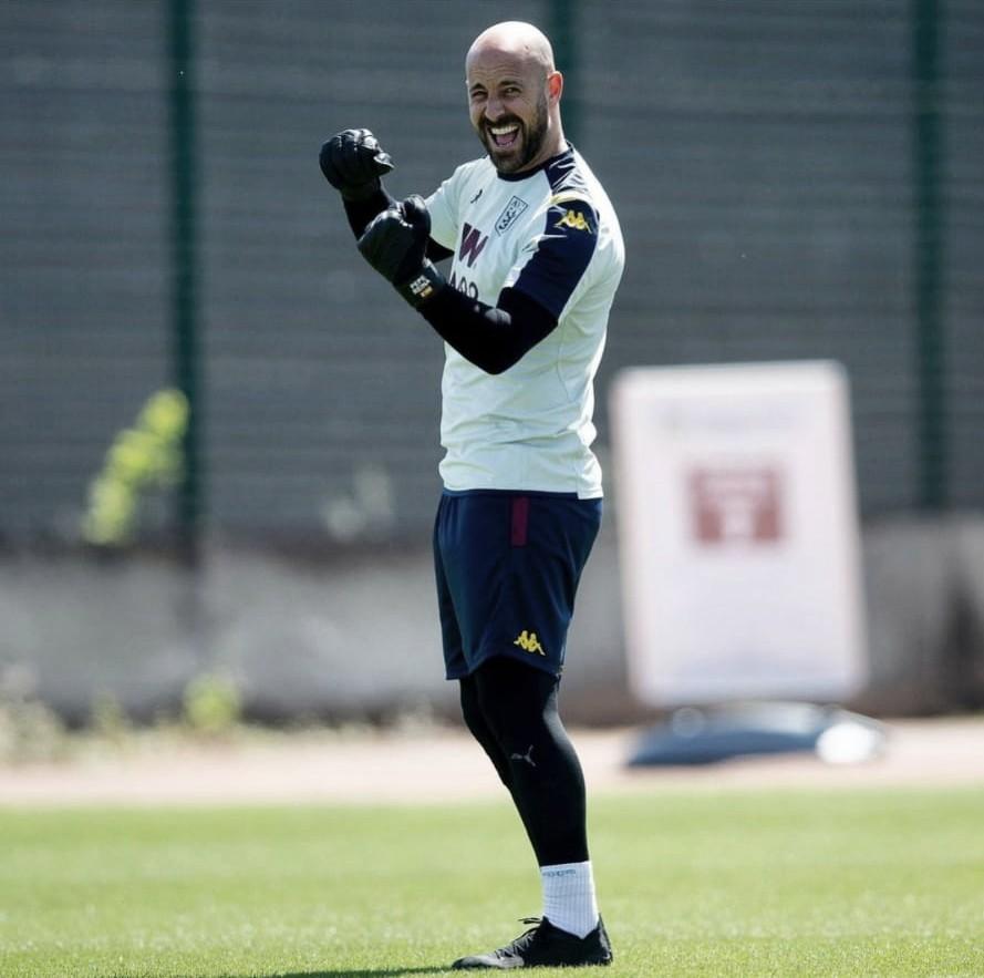 El Valencia se interesa por Pepe Reina y pone entre las cuerdas sus propias palabras