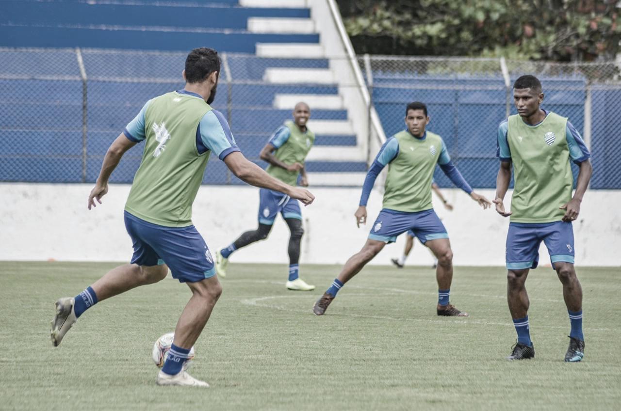 Com reforços regularizados, CSA viaja a São Paulo para duelo contra Oeste