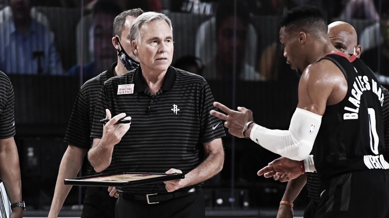 Após eliminação nos playoffs, Mike D'Antoni comunica saída dos Rockets