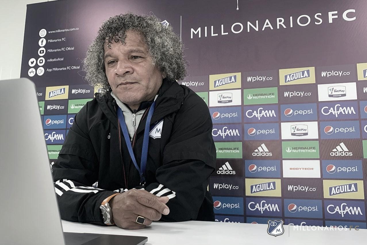"""Alberto Gamero: """"Estamos corrigiendo y tratando de darle variantes al equipo"""""""