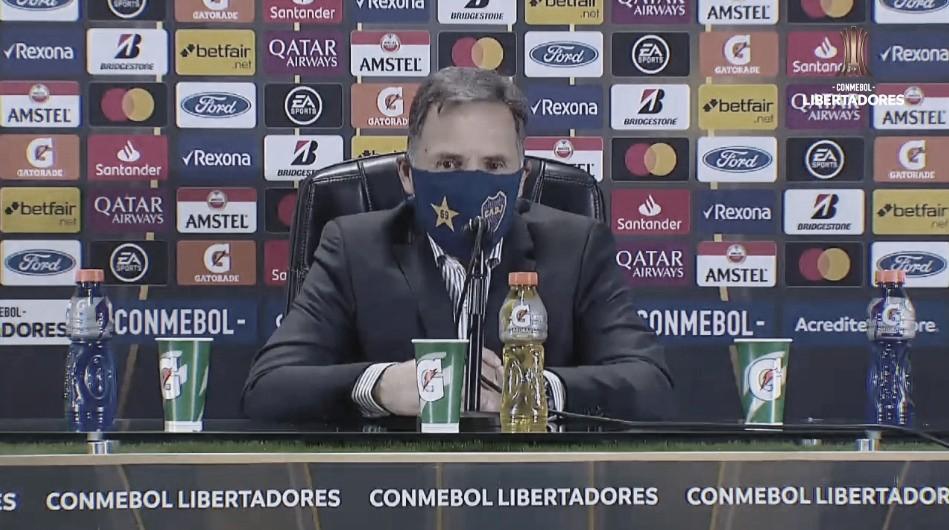 Russo en conferencia de prensa.