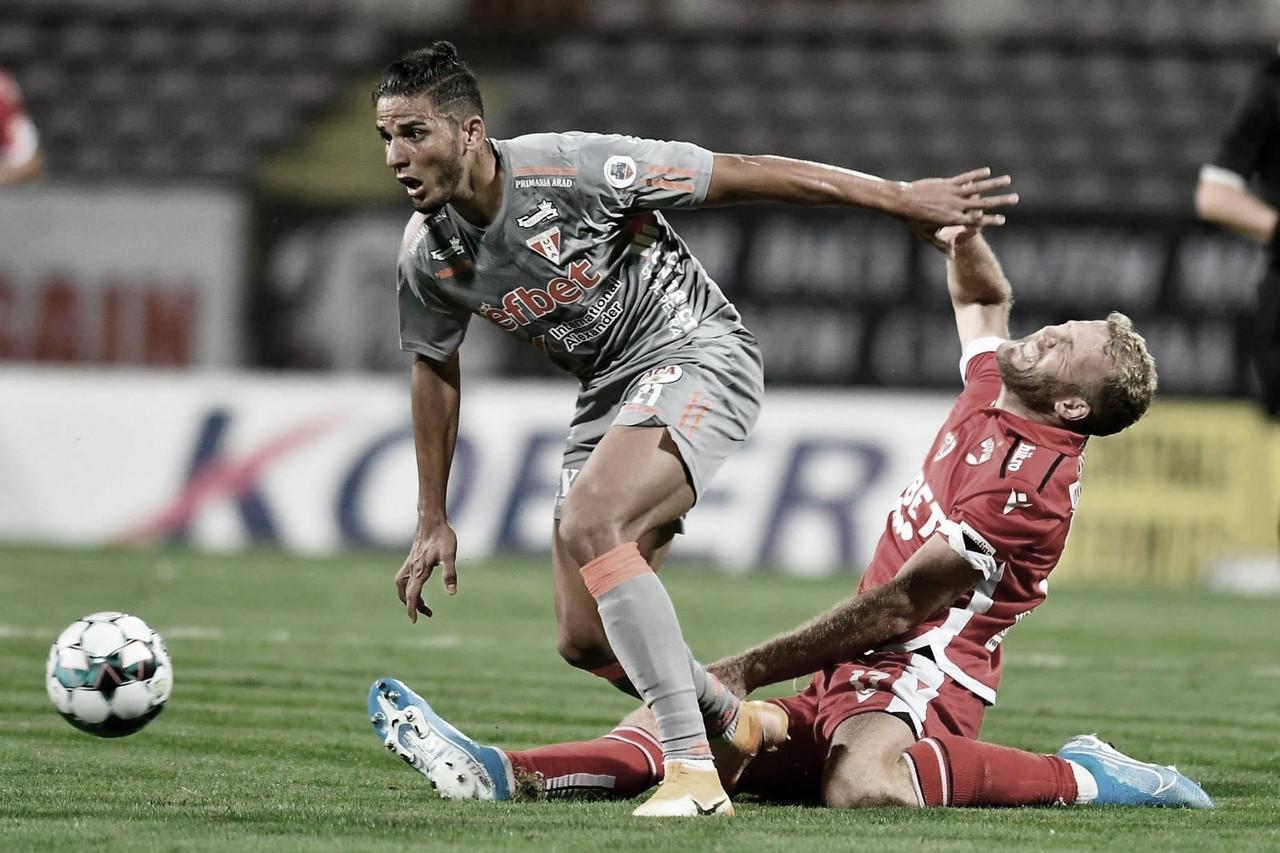 Zagueiro Erico da Silva celebra sequência de titularidade na elite do futebol romeno