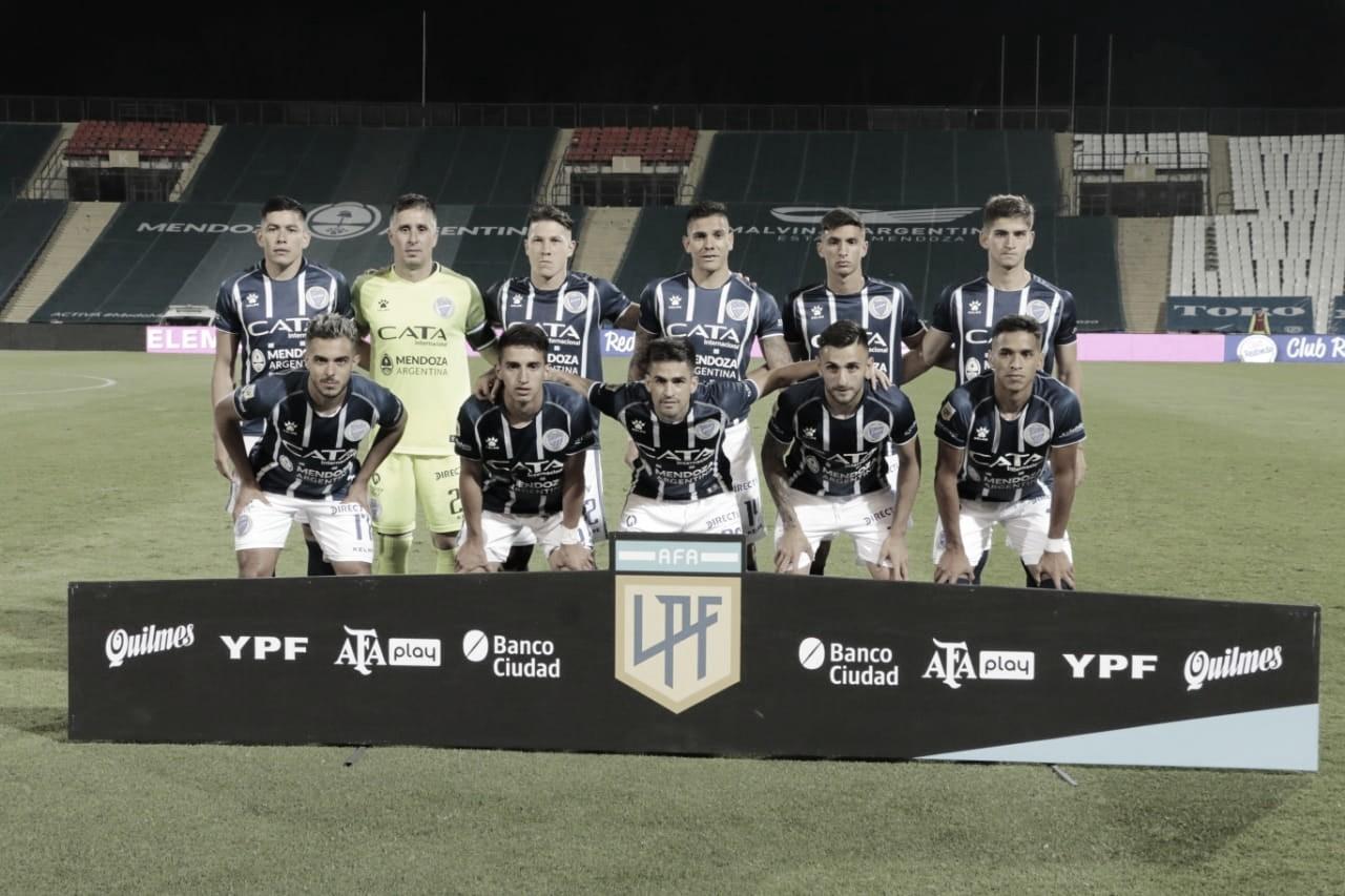 RENDIMIENTO.. Los XI que jugaron de entrada ante River en la noche del sábado. Foto: Prensa Godoy Cruz/Pablo Repetto
