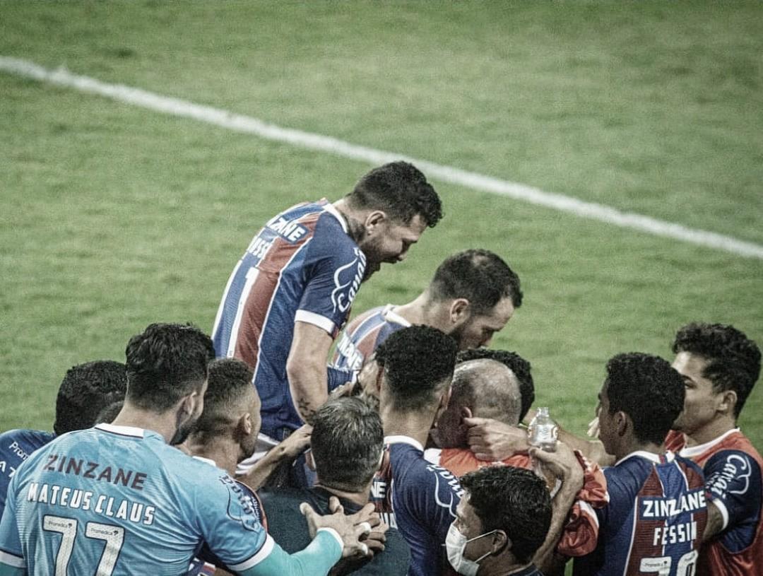 """Após vitória diante do Coritiba, Mano se orgulha do Bahia: """"De parabéns"""""""